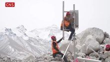File:2020.4 5G signal to cover summit of Mt. Qomolangma.webm