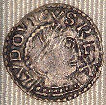 Louis IV denier Chinon 936 954.jpg