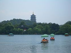 Hangzhou - West Lake - boats - CIMG2499.JPG