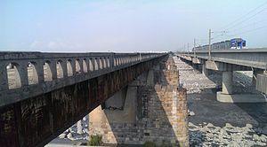 旧大安溪桥与大安溪铁路桥.jpg