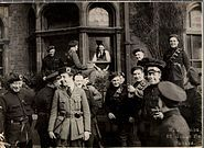 Outside the London and North Western Hotel in Dublin, April 21, 1921.jpg