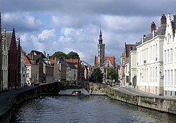 布鲁日的一条运河