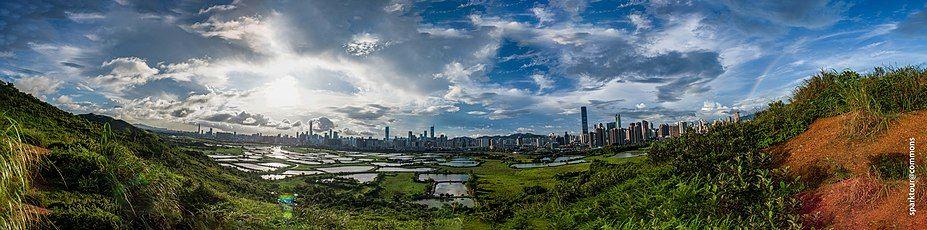 深圳市南山区与福田区的天际线