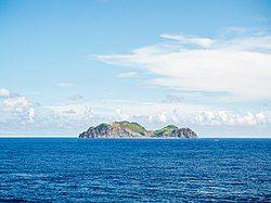 从小兰屿眺望兰屿岛。