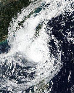 达到巅峰的台风艾莎尼