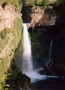 Bride's Veil Waterfall Parque Ingles Chile1.jpg