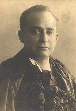 Sepia-toned portrait of Oliveira Viana looking toward the camera