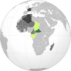 绿色:乌班吉沙立(1916年前) 浅绿色:1916年并入地区 黄绿色: 法属赤道非洲 灰色:其它法国属地 深灰:法国