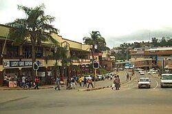 姆巴巴内市中心的街景
