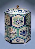 Kyō stoneware tiered food box with overglaze enamels, Edo period, 18th century