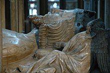 Edward II - detail of tomb.jpg