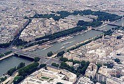 The Seine as seen from the Eiffel Tower, June 2002.jpg