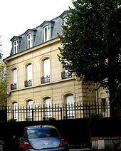 exterior of large Parisian house