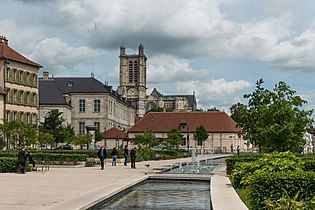General View of Troyes and its Cathedral 20140509 3.jpg