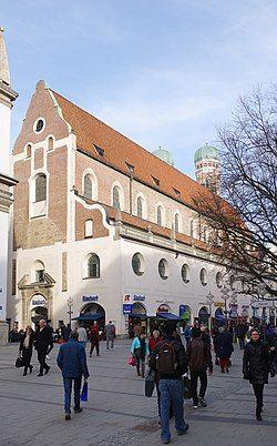 München Neuhauser Straße 2 BW 2017-03-13 17-16-33.jpg