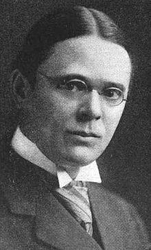 Roscoe Pound ca 1916.jpg