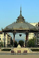 Valence kiosque Peynet.jpg