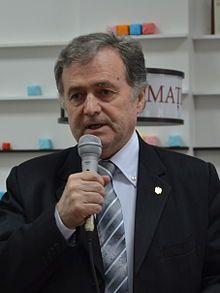 Scriitorul și parlamentarul Ion Hadârcă (12851871573) (cropped).jpg