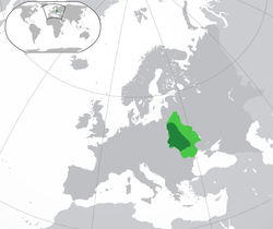 A map of Central and Eastern Europe during the 13th–14th centuries, showing the Kingdom of Rus (center, in dark green).