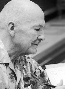 Heinlein signing autographs at Worldcon 1976