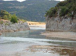 Acheloos river narrows 02.jpg