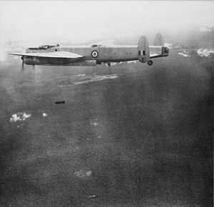 RAAFAvroLincolnMalaya1950.jpg