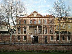 位于佩皮尼昂的省会大楼