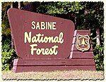 萨宾国家森林的标志