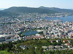 08-08-01 Fløyen utsikt.jpg