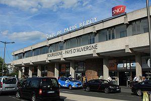 Bâtiment-voyageurs de la gare de Bercy (1) par Cramos.JPG