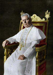 Pius X, by Francesco De Federicis, 1903 (retouched, colorized).tif