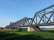 Luokou yellow river railway bridge south shore view closeup 1.jpg