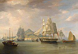 贩卖鸦片的趸船,和中国渔船相比大得多