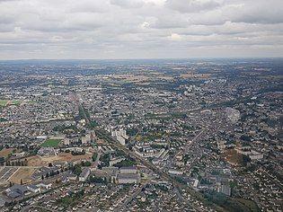 Laval (Mayenne - France) - Vue aérienne.jpg