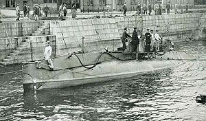 Holland 1 Class Submarine in the IJN.jpg