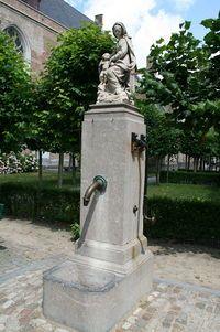 01 Bruges - Fontaine - JPG1.jpg