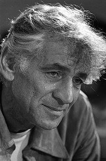 Leonard Bernstein 1971.jpg