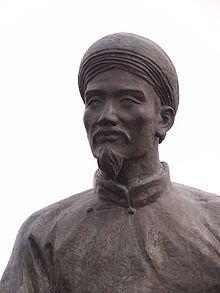 Tượng đài cụ Nguyễn Du.jpg