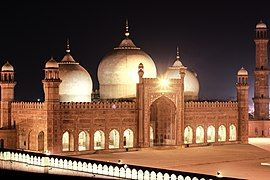 Nighttime Badshahi Mosque.jpg