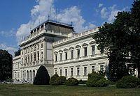 Graz University main-front.jpg