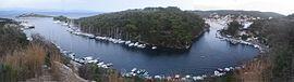 盖俄斯天然港,包围小岛圣尼古拉