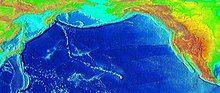 太平洋盆地的浮雕地图,显示了在俄罗斯堪察加半岛俄罗斯附近的一条长长的线上的海山和岛屿,落后于夏威夷热点。