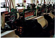 Strickmaschine im Museum.JPG
