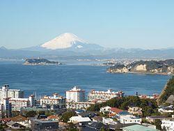 Mt. Fuji from Hiroyama Park (Zushi).jpg