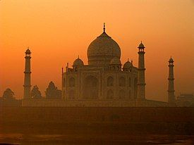 Taj Mahal in India.jpg
