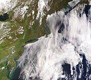 ShipTracks MODIS 2005may11.jpg