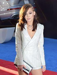Kelli Berglund at Captain America Civil War premiere.jpg