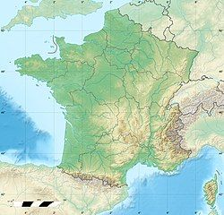 Burgundy wine is located in France