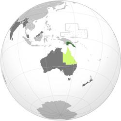 绿色: 巴布亚领地 浅绿色: 昆士兰殖民地 (1883年吞并巴布亚) 深灰色: 其他大英帝国殖民地