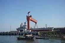 湛江某处船坞内的一艘船舶
